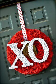 #valentine wreath spiral paper flower rose idea Diy Valentines Day Wreath, Valentine Decorations, Valentine Day Crafts, Valentine Ideas, Valentine Flowers, Wreath Crafts, Diy Wreath, Wreath Ideas, Burlap Wreath