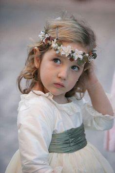 La oca loca verano 2013 Flower Girls, Flower Girl Dresses, Child Smile, Kool Kids, Page Boy, Girls Rules, Bridesmaid Dresses, Wedding Dresses, Little Ones