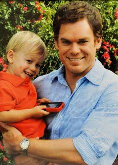 Dexter and Harrison :) Dexter Morgan, Dexter Tv Series, Dexter Seasons, Michael C Hall, Netflix, Slice Of Life, Dream Guy, Serial Killers, Movies