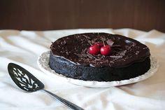 Mia's Eats: Chocolate Cherry Cake
