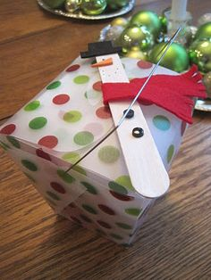 Teacher Christmas gift idea- ornament, takeout box, & takeout gift cards