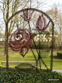 Gentse kantacademie Lace Heart, Lace Jewelry, Yarn Bombing, Lace Making, Bobbin Lace, Dream Catcher, Graffiti, Street Art, Projects To Try