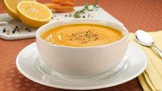 Sopa de...  Sim, laranja! Quem nunca experimentou e gosta de laranja, vale a pena. Vamos preparar? Completamente deliciosa!