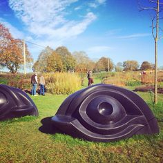 Eye Benches / Louise Bourgeois at Hauser & Wirth Somerset