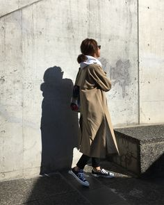 2018.2.9 * パーカー×トレンチ 黒コンデビュー👟笑 * coat#enfold#エンフォルド tops#balenciaga#バレンシアガ denim#yanuk#ヤヌーク bag#manipuri#マニプリ shoes#converse#コンバース