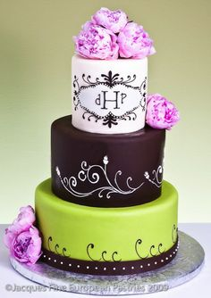 Beautiful Cake Pictures: Swirly Icing Triple Tiered Cake - Cakes with Icing, Colorful Cakes - Beautiful Cake Pictures, Beautiful Cakes, Amazing Cakes, Round Wedding Cakes, Wedding Desserts, White Flower Cake Shoppe, Crazy Cakes, Cute Desserts, Just Cakes