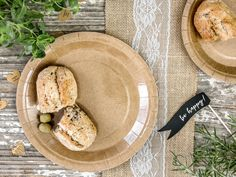 Each plate has a rustic feel so they are ideal for a wedding, birthday party, baby shower or any special occasion. A fun pack of kraft brown paper plates perfect for any party or celebration! Each pack contains 6 x paper plates.