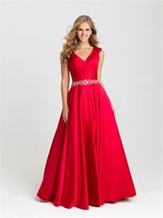 Prom 2016 prom ideas prom inspiration prom dress prom gown in 2020 Red Formal Dresses, Long Formal Gowns, Prom Dresses 2016, Plus Size Prom Dresses, Dance Dresses, Prom 2016, Dress Prom, Ball Dresses, Party Dresses