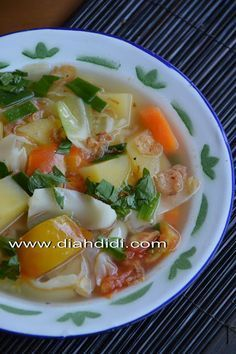 Asian Recipes, Beef Recipes, Vegetarian Recipes, Cooking Recipes, Chicken And Beef Recipe, Indonesian Cuisine, Malaysian Food, Easy Cooking, Food Preparation