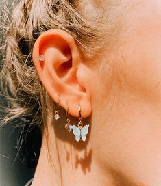 Pretty Ear Piercings, Ear Peircings, Types Of Ear Piercings, 3 Lobe Piercings, Unique Ear Piercings, Ear Piercings Chart, Different Ear Piercings, Facial Piercings, Ear Jewelry