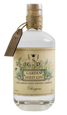 Gin Bottle Label and Packaging Design # Food and Drink logo bottle design Bottle Label, Bottle Packaging, Alcohol Bottles, Liquor Bottles, Plastic Bottles, Whisky, O Gin, Scottish Gin, Gin Distillery