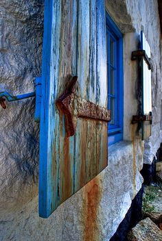 blue and rust