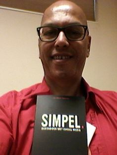 Paul Kemper @phkemper  de review zal moeten wachten tot de zomervakantie. #blijmee #simpel