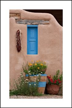 New Mexico Architecture with Blue Door Southwestern Decorating, Southwest Decor, Southwest Style, New Mexico Style, New Mexico Homes, New Mexico Santa Fe, Santa Fe Style, Adobe House, Tadelakt