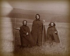 """Pagan. 1890's UK photograph - oh, dear. All I can say, is I didn't know they had """"Children of the Corn"""" in Londonderry's day"""