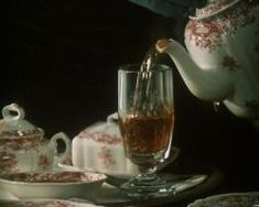 Scones, Billie Holiday, Girl Inspiration, Sacred Art, Afternoon Tea, Matcha, Beauty And The Beast, Alice In Wonderland, Tea Time