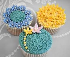 Image result for amazing flower cupcakes