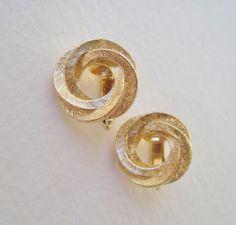 Vintage 1982 Nautical Preppy Signed Avon Golden Swirl Goldtone Gold Tone Brushed Round Twist Knot Stud Earrings in Original Box NIB