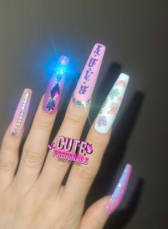 Star Nails, Neon Nails, Glue On Nails, Long Press On Nails, Coffin Press On Nails, Cat Eye Colors, Best Small Business Ideas, Beauty Nails, Beauty Makeup