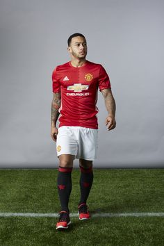 Memphis is chasing his dream at United - Official Manchester United Website
