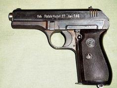 CZ 27 fnh - Prodám pistoli CZ 27 fnh ráže 7,65,Browning- vyrobená za války. Stav sběratelský,na zbrani jsou stopy po obrábění kdy už nebyl čas na dokonalé dokončení povrchu.Značený zásobník. NP a ZP nutné !!https://s3.eu-central-1.amazonaws.com/data.huntingbazar.com/7859-cz-27-fnh-pistole.jpg