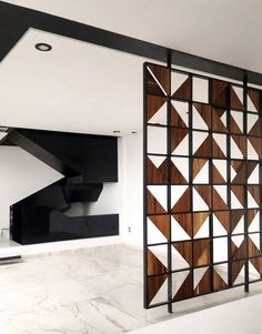 Modern home with dining room, shelves, and porcelain tile floor. Detail - Lattice and Stairs Photo 7 of Casa AB Living Room Partition Design, Room Partition Designs, Home Office Furniture Design, Jaali Design, Partition Screen, Divider Screen, Wooden Partitions, Diy Room Divider, Room Dividers