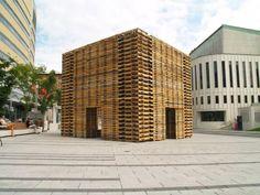 FORÊT II Phill Allard Justin Duchesneau pavillon recycelten europaletten