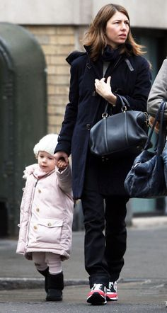 Sofia Coppola - Sophia Coppola And Daughter Walking In Soho New York City