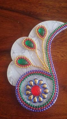 Rangoli Patterns, Rangoli Designs, Beaded Embroidery, Embroidery Designs, Embroidery Jewelry, Acrylic Rangoli, Peacock Rangoli, Decor Wedding, Wedding Decorations