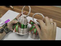 Новогодние колокольчики из газетных трубочек. Мастер-класс - YouTube Christmas Wreaths, Christmas Cards, Christmas Decorations, Xmas, Christmas Ornaments, Holiday Decor, Newspaper Crafts, Book Crafts, Diy And Crafts