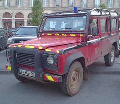 Land Rover Defender 110. #astonutskiffelesLandRover  Une bête de somme utilisée par des sapeurs-pompiers. A workhorse for a fire brigade. by astonuts Land Rover Defender 110. #astonutskiffelesLandRover  Une bête de somme utilisée par des sapeurs-pompiers. A workhorse for a fire brigade.