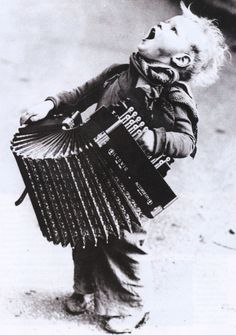 photo by Henri Manuel circa 1900 (repin with a credit, finally)