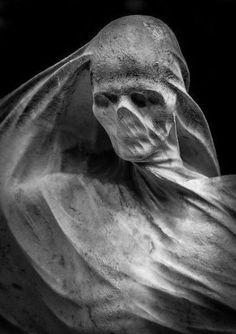 The grave of Spanish industrialist and politician Nicolau Juncosa by sculptor Antoni Pujol. The sculpture is located at the Montjuïc Cemetery in Barcelona Cemetery Statues, Cemetery Art, Angel Statues, Arte Horror, Horror Art, Art Sculpture, Sculptures, La Danse Macabre, Arte Obscura