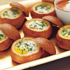 Baked Eggs in Bread Bowls 6 egg recipes-- SO MANY EGGS! After trying these updated egg recipes, you may never just scramble again. See recipes: Spinach and Cheese Quiche Baked Eggs in Bread Bowls Cheesy Corn Spoon Bread Sausa Breakfast And Brunch, Best Breakfast Recipes, Brunch Recipes, Brunch Ideas, Breakfast Ideas, Breakfast Muffins, Breakfast Healthy, Health Breakfast, Breakfast Casserole