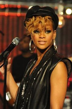Magnificent Curly Hairstyle For Short Hair Rihanna My Baby Riri Pinterest Short Hairstyles For Black Women Fulllsitofus
