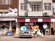 Filme usa Street Fighter 2 como argumento para vender seguro - http://marketinggoogle.com.br/2014/02/25/filme-usa-street-fighter-2-como-argumento-para-vender-seguro/