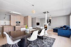 FINN – Aker Brygge - Lekker og nyoppusset hjørneleilighet i 6.etasje med stor terrasse på ca. 18 kvm. Garasje*