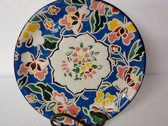 Lindo prato usado para decoração ou uso diário, para grandes ocasiões.