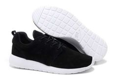 Nike Roshe Run Homme Noir Blanc France Nike Shoes Cheap, Nike Free Shoes, Nike Shoes Outlet, Cheap Nike, Black And White Trainers, Black And White Shoes, Black Running Shoes, Running Shoes For Men, Nike Running