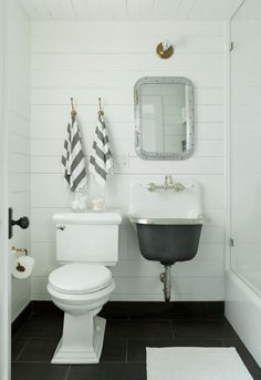 Steal This Look: The Compact Family Bath, Beach House Edition: Remodelista