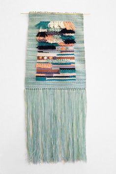 heddleandneedle: Poolside weaving