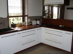 kuchnia biało czarno drewniana - Szukaj w Google