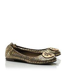 Lizard Printed Reva Ballet Flat- that is a damn good looking shoe! Winter Stockings, Gucci Outfits, Stylish Eve, Beautiful Shoes, Beautiful Gifts, Classy And Fabulous, Tory Burch Flats, Womens Flats, Wedding Shoes