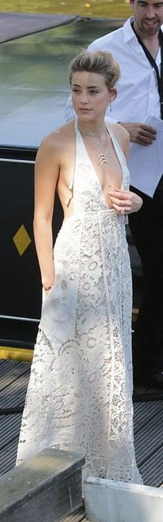 Who made Amber Heard's white lace maxi gown?
