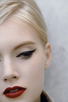extreme winged liner #mirabellabeauty #wedding #makeup