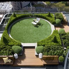 or for your own personal manspace, make it into a mini golf area. Roof garden with round lawn
