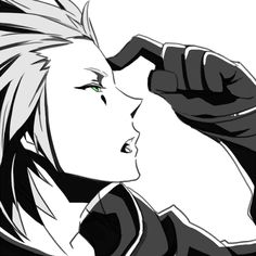 AHHH AXEL!!! 0_0 *goes and flails aimlessly around room out of uncontainable excitement* lol