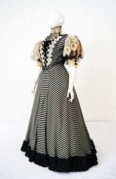 Dress ca. 1900 From the Patrimonio Histórico Familiar