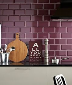 Kitchen floor tiles at Topps Tiles. Available in a range of colours, materials and patterns. Cream And Oak Kitchen, Cream Gloss Kitchen, Sage Green Kitchen, Purple Kitchen, Kitchen Colors, Kitchen Tiles, Kitchen Flooring, Kitchen Decor, Home Decor