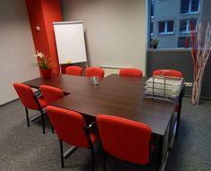 Mała sala szkoleniowa mieszcząca się w Warszawie #sale #saleszkoleniowe #salewarszawa #salaszkoleniowa #szkolenia #salawarszawa #szkoleniowe #sala #szkoleniowa #konferencyjne #konferencyjna #wynajem #sal #sali #warszawa #do #wynajęcia #konferencji